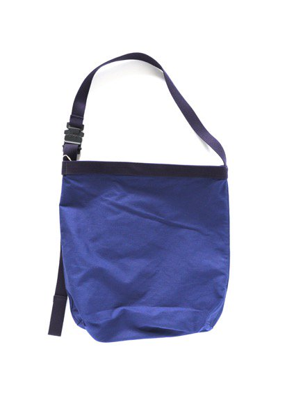 hobo Canvas Shoulder Bag (NAVY) 2