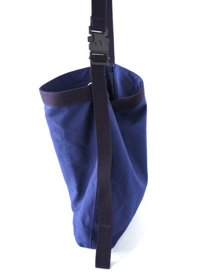 hobo Canvas Shoulder Bag (NAVY) 3