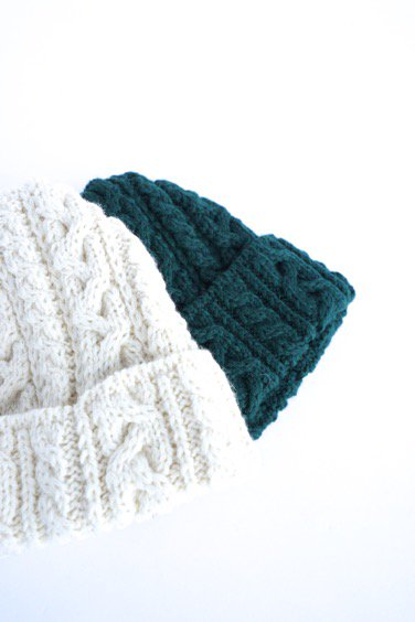 HIGHLAND2000 BRITISH WOOL BOB CAP cable (WHITE)(GREEN)2