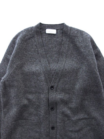 Phlannel Shetland Wool V-neck Cardigan  (Charcoal)2