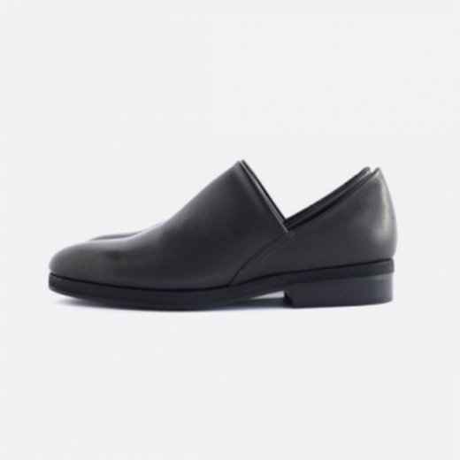 <img class='new_mark_img1' src='https://img.shop-pro.jp/img/new/icons39.gif' style='border:none;display:inline;margin:0px;padding:0px;width:auto;' />SLIP ON SHOES