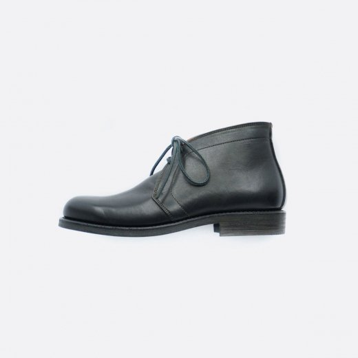 <img class='new_mark_img1' src='https://img.shop-pro.jp/img/new/icons39.gif' style='border:none;display:inline;margin:0px;padding:0px;width:auto;' />CHUKKA  BOOTS #1400