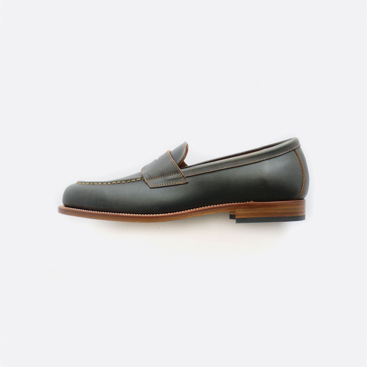 LEATHER&SILVER MOTO CHROMEXCEL COIN LOAFER #2500 (NAVY)