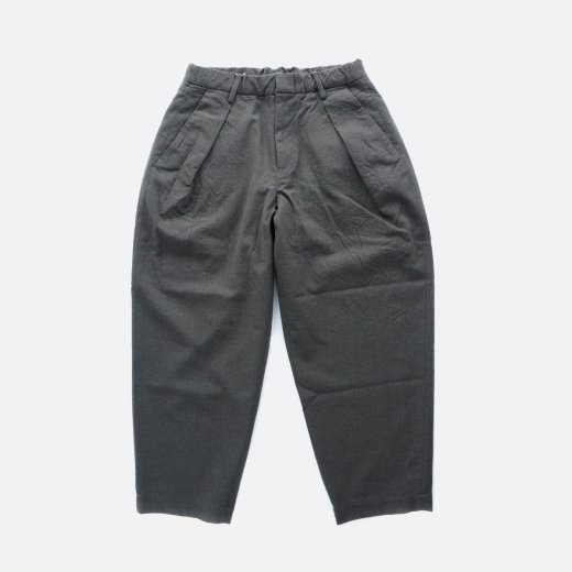 <img class='new_mark_img1' src='https://img.shop-pro.jp/img/new/icons39.gif' style='border:none;display:inline;margin:0px;padding:0px;width:auto;' />WASHABLE WOOL GABA W-TUCK PANTS