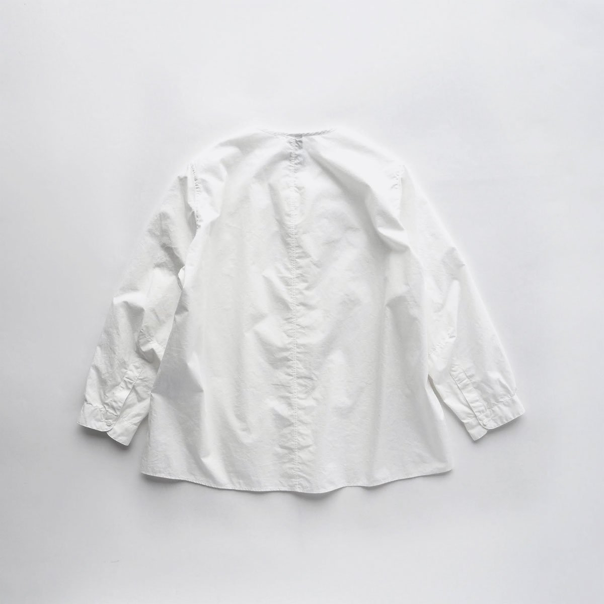 NO CONTROL AIR 60/1 SUPIMA COTTON TYPEWRITER NO COLLAR SHIRT (off white)2