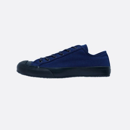 <img class='new_mark_img1' src='https://img.shop-pro.jp/img/new/icons1.gif' style='border:none;display:inline;margin:0px;padding:0px;width:auto;' />CANVAS SNEAKER 'COURT'