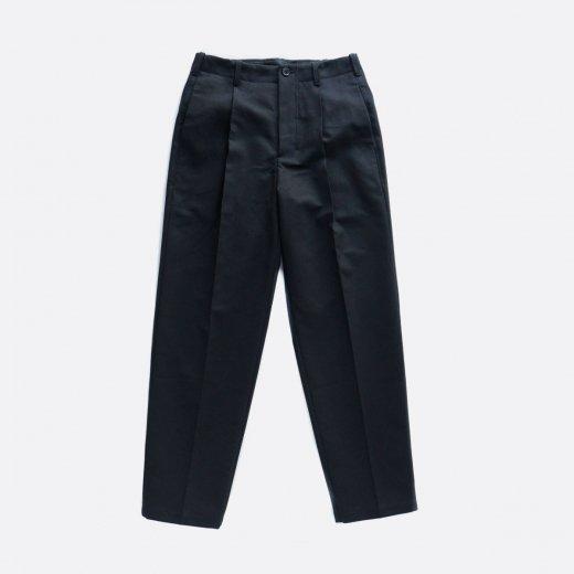超強撚二重織りコットン・ワンタックセミワイドパンツ