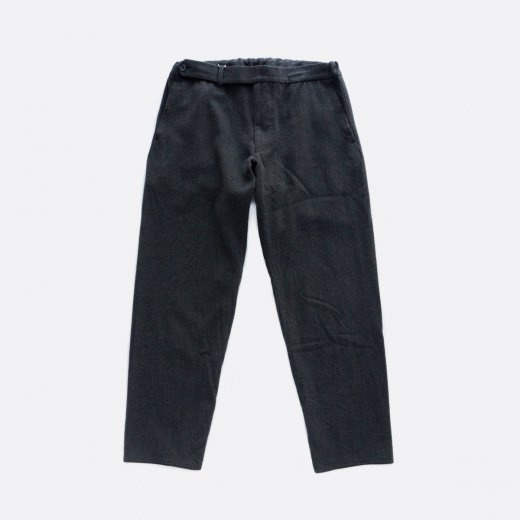 <img class='new_mark_img1' src='https://img.shop-pro.jp/img/new/icons1.gif' style='border:none;display:inline;margin:0px;padding:0px;width:auto;' />WASHABLE WOOL RATINE CURVE SLACKS