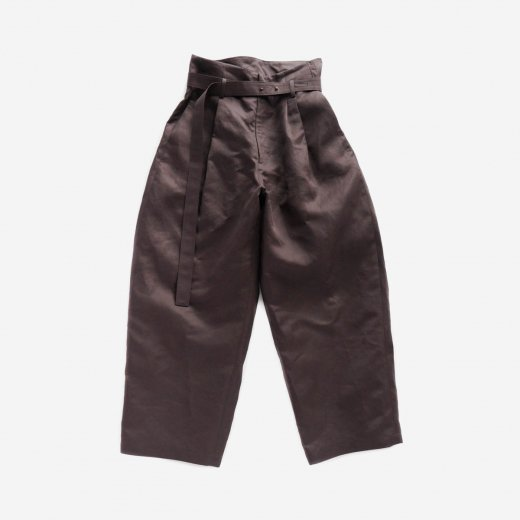 <img class='new_mark_img1' src='https://img.shop-pro.jp/img/new/icons39.gif' style='border:none;display:inline;margin:0px;padding:0px;width:auto;' />COTTON LAMY SATIN BELT PANTS