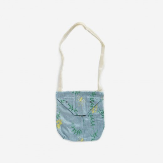 <img class='new_mark_img1' src='https://img.shop-pro.jp/img/new/icons39.gif' style='border:none;display:inline;margin:0px;padding:0px;width:auto;' />SHOULDER POUCH
