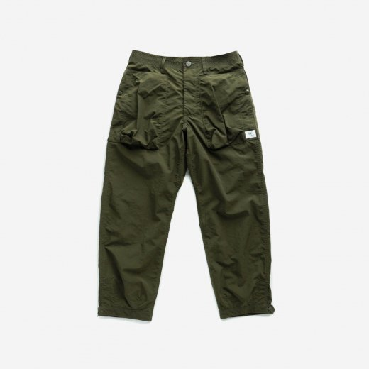 <img class='new_mark_img1' src='https://img.shop-pro.jp/img/new/icons1.gif' style='border:none;display:inline;margin:0px;padding:0px;width:auto;' />DIGS CREW PANTS 4/5 NYLON RIPSTOP
