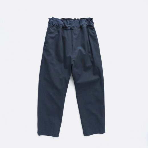 <img class='new_mark_img1' src='https://img.shop-pro.jp/img/new/icons1.gif' style='border:none;display:inline;margin:0px;padding:0px;width:auto;' />COTTON POLYESTER STRETCH TWILL EASY STRAIGHT PANTS