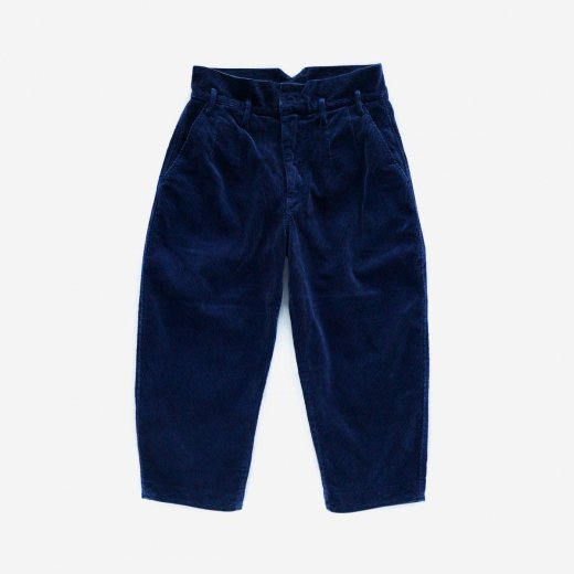 <img class='new_mark_img1' src='https://img.shop-pro.jp/img/new/icons1.gif' style='border:none;display:inline;margin:0px;padding:0px;width:auto;' />CORDUROY CLASSIC PANTS