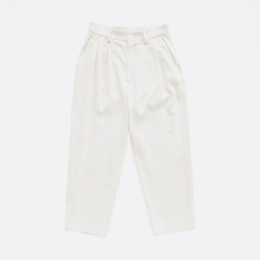<img class='new_mark_img1' src='https://img.shop-pro.jp/img/new/icons1.gif' style='border:none;display:inline;margin:0px;padding:0px;width:auto;' />COTTON TWILL TUCK PANTS