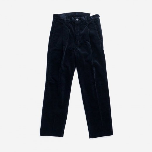 <img class='new_mark_img1' src='https://img.shop-pro.jp/img/new/icons39.gif' style='border:none;display:inline;margin:0px;padding:0px;width:auto;' />CORDUROY ONE-TUCK TROUSERS