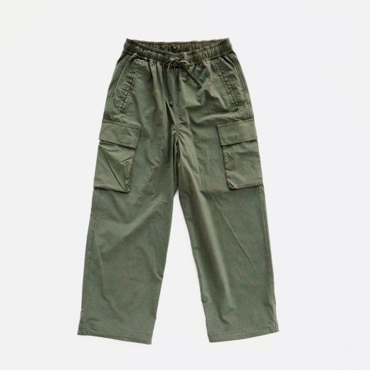 <img class='new_mark_img1' src='https://img.shop-pro.jp/img/new/icons1.gif' style='border:none;display:inline;margin:0px;padding:0px;width:auto;' />SUPER NYLON STRETCH PANTS
