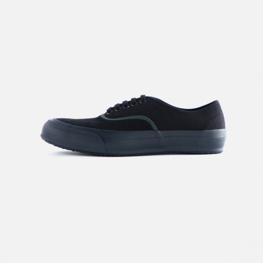<img class='new_mark_img1' src='https://img.shop-pro.jp/img/new/icons1.gif' style='border:none;display:inline;margin:0px;padding:0px;width:auto;' />CANVAS SNEAKER 'OXFORD'