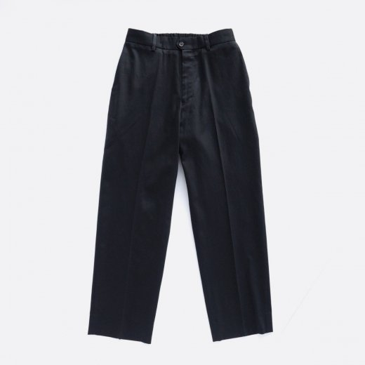 <img class='new_mark_img1' src='https://img.shop-pro.jp/img/new/icons1.gif' style='border:none;display:inline;margin:0px;padding:0px;width:auto;' />FLAT-FRONT TROUSERS ORGANIC COTTON KERSEY