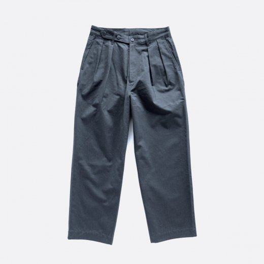 <img class='new_mark_img1' src='https://img.shop-pro.jp/img/new/icons1.gif' style='border:none;display:inline;margin:0px;padding:0px;width:auto;' />BIZEN No.1 TWILL TUCKED MILITARY PANTS