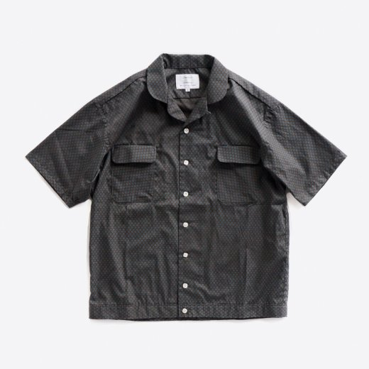 <img class='new_mark_img1' src='https://img.shop-pro.jp/img/new/icons1.gif' style='border:none;display:inline;margin:0px;padding:0px;width:auto;' />CAMELS PORTER SHIRTS