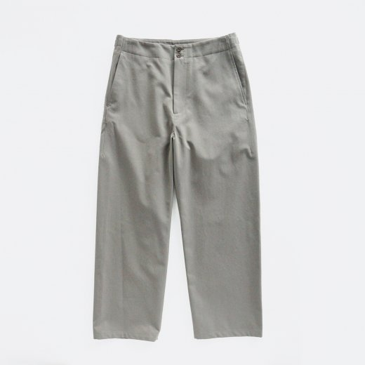 <img class='new_mark_img1' src='https://img.shop-pro.jp/img/new/icons1.gif' style='border:none;display:inline;margin:0px;padding:0px;width:auto;' />CHAMBRAY GABARDINE MIL TROUSERS
