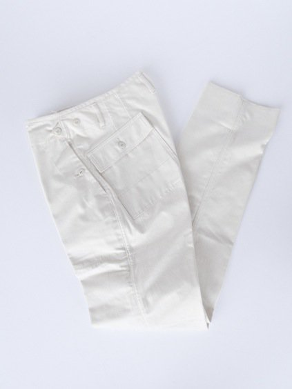 TATAMIZE BAKER PANTS  (OFF WHITE)1