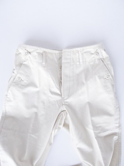 TATAMIZE BAKER PANTS  (OFF WHITE)4