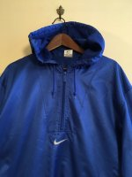 USED OLD NIKE ANORAK