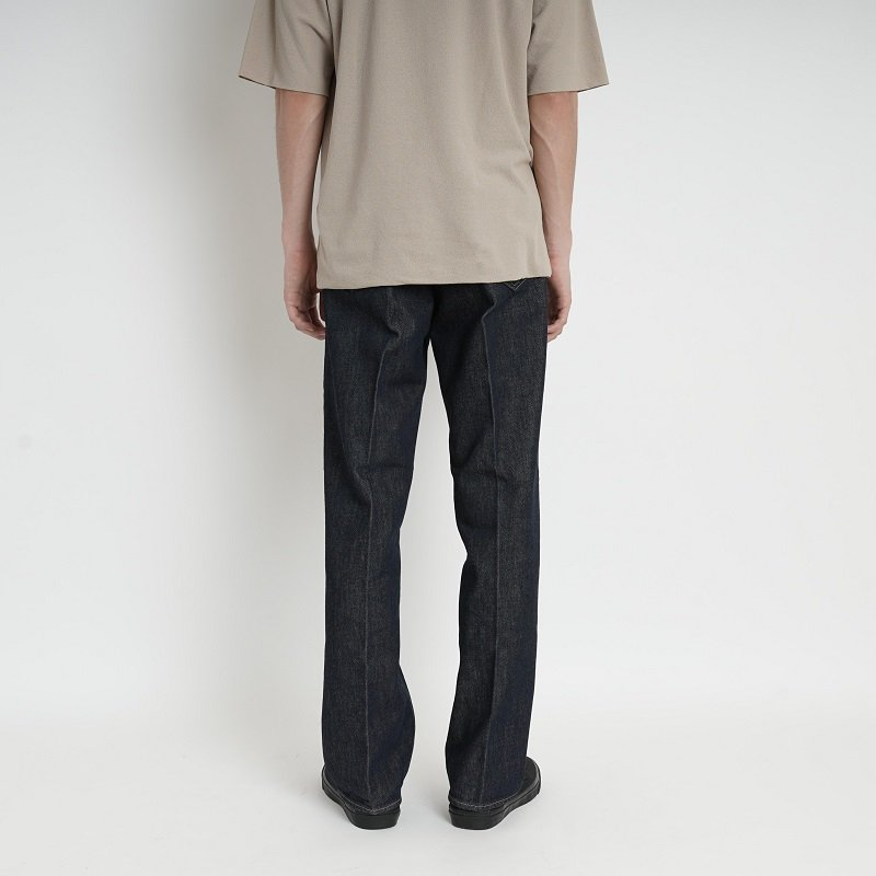 【AURALEE オーラリー】HARD TWIST DENIM 5P PANTS -MEN- / INDIGO<img class='new_mark_img2' src='//img.shop-pro.jp/img/new/icons5.gif' style='border:none;display:inline;margin:0px;padding:0px;width:auto;' />