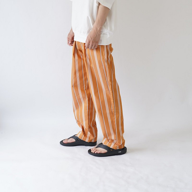 【WELLDER ウェルダー】DRAWSTRING EASY TROUSERS / AMBER<img class='new_mark_img2' src='https://img.shop-pro.jp/img/new/icons20.gif' style='border:none;display:inline;margin:0px;padding:0px;width:auto;' />