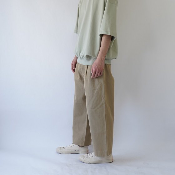 【YAECA ヤエカ】COTTON TWILL PANTS 2TUCK / KHAKI