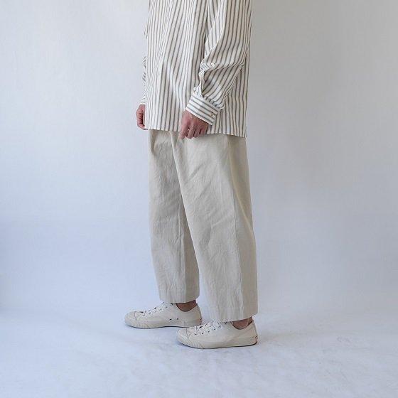 【YAECA ヤエカ】COTTON TWILL PANTS 2TUCK / BEIGE