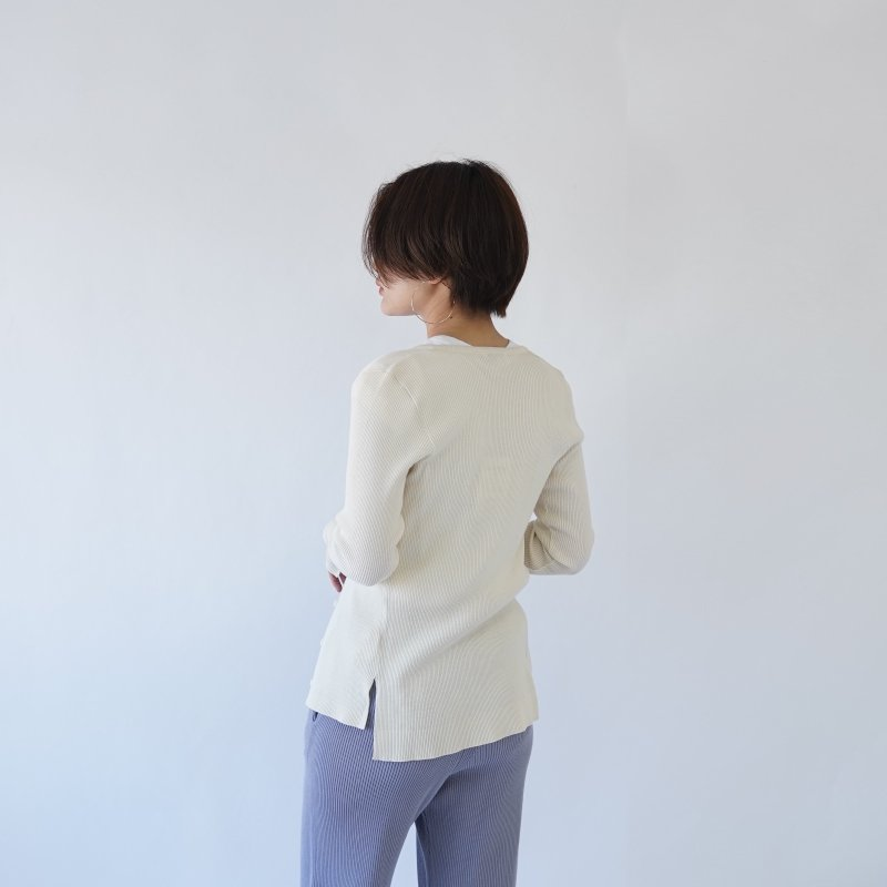 【AURALEE オーラリー】CASHMERE HIGH GAUGE KNIT CARDIGAN -WOMEN- / WHITE<img class='new_mark_img2' src='https://img.shop-pro.jp/img/new/icons20.gif' style='border:none;display:inline;margin:0px;padding:0px;width:auto;' />