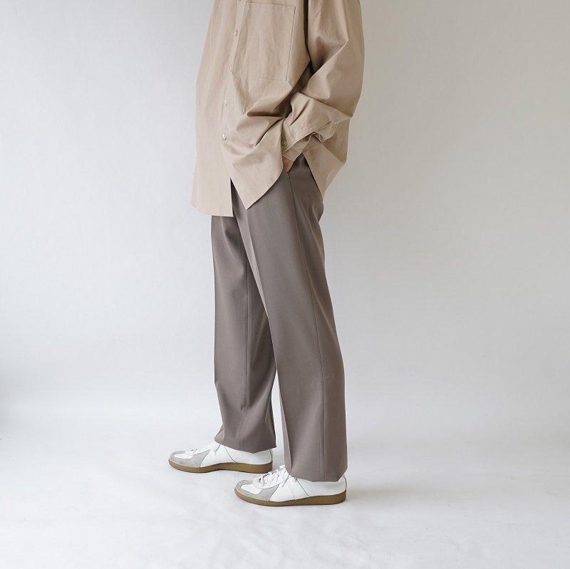 【AURALEE オーラリー】WOOL MAX GABARDINE SLACK -MEN- / GRAY BEIGE