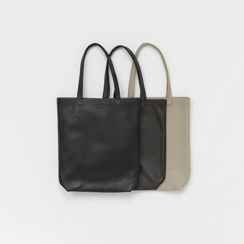 【Hender Scheme エンダースキーマ】 cow bag M / 2COLOR