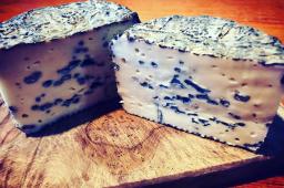 つやこブルー(ブルーチーズ)