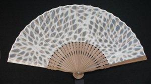 透かし和紙の扇子 大輪菊