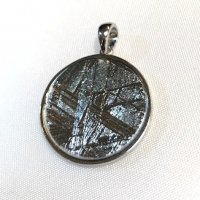 メテオライト(隕石)×ペンダントトップ[裏面にはさりげなく 六芒星が]2