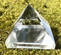 水晶 ピラミッド(2)