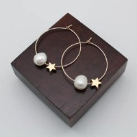 PHP 136<br>ピアス