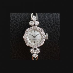 オメガ  オクタゴン(8角形)ダイヤ取り巻きフェイス レディースアンティーク腕時計