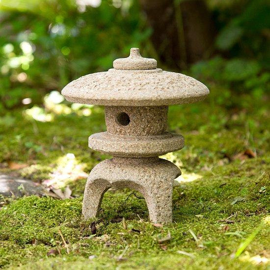 島根県産・出雲石・丸雪見 ミニ灯篭4寸 / Maru-yukimi lantern (small size, 12cm), Izumo stone, Shimane Prefecture