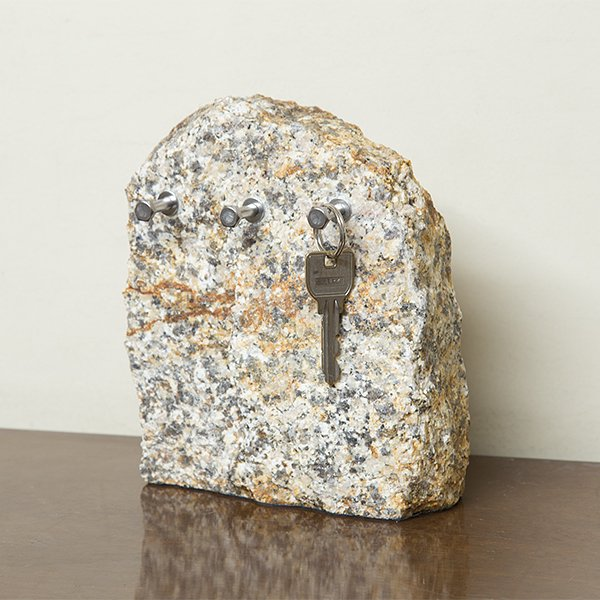 自然石キースタンド2