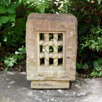 出雲石・創作置き灯篭(A) / Foot light stone lantern, Izumo stone (A)