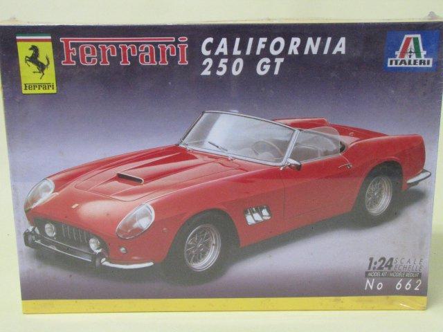 ITALERI FERRARI 250 GT CALIFORNIA 未開封 プラモデル 1/24