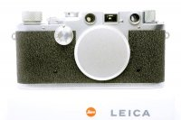<img class='new_mark_img1' src='https://img.shop-pro.jp/img/new/icons15.gif' style='border:none;display:inline;margin:0px;padding:0px;width:auto;' />LEICA ライカ �c 3c 縦皺の革張 1949年 戦後