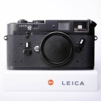 <img class='new_mark_img1' src='https://img.shop-pro.jp/img/new/icons15.gif' style='border:none;display:inline;margin:0px;padding:0px;width:auto;' />【委託】LEICA ライカ M4 ブラッククローム 141万台 1975年 50周年記念モデル