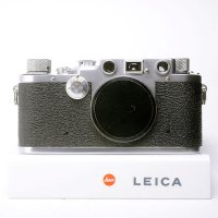 <img class='new_mark_img1' src='https://img.shop-pro.jp/img/new/icons15.gif' style='border:none;display:inline;margin:0px;padding:0px;width:auto;' />LEICA ライカ �c 3c シャークスキン 1949年 戦後