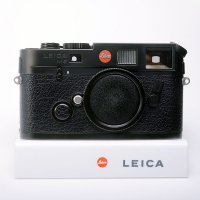 <img class='new_mark_img1' src='https://img.shop-pro.jp/img/new/icons15.gif' style='border:none;display:inline;margin:0px;padding:0px;width:auto;' />LEICA ライカ M6 TTL 0.72 ブラッククローム 未開封純正14856革ケース付属