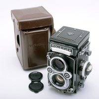 <img class='new_mark_img1' src='https://img.shop-pro.jp/img/new/icons15.gif' style='border:none;display:inline;margin:0px;padding:0px;width:auto;' />ROLLEIFLEX ローライフレックス 3.5F Planar プラナー 75mmF3.5 + 純正革ケース